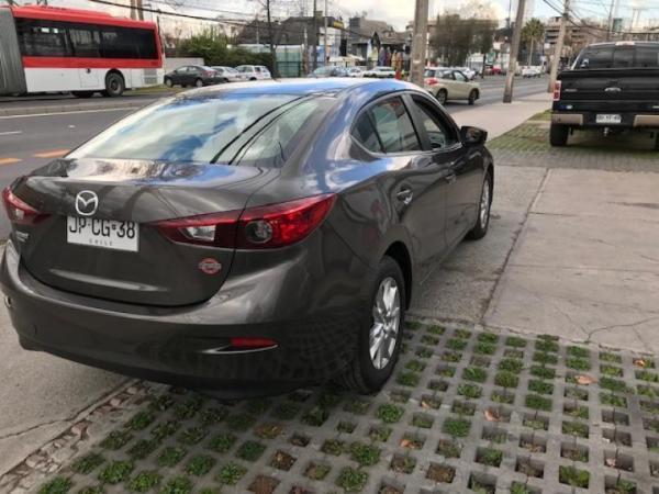 Mazda 3 SEDAN año 2017