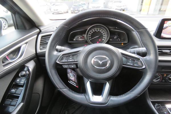 Mazda 3 SPORT año 2017