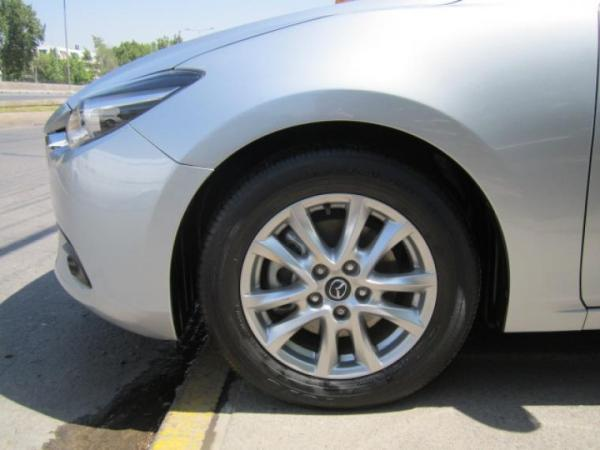 Mazda 3 SPORT 2.0 MT año 2017