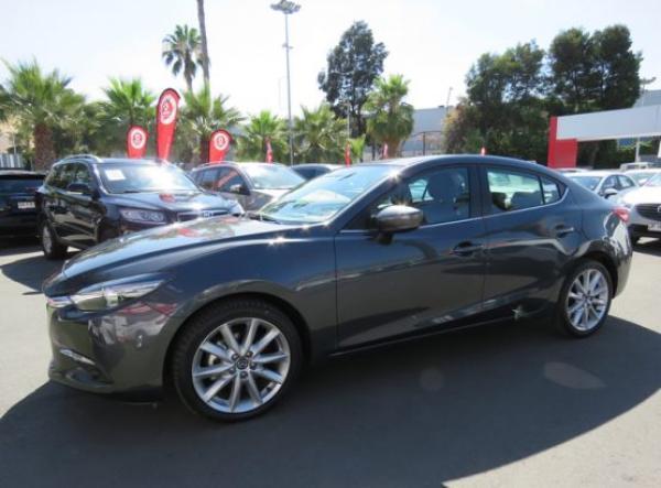 Mazda 3 S año 2017