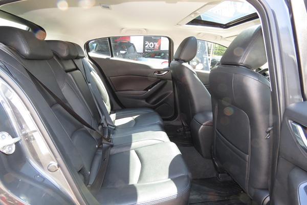 Mazda 3 SPORT año 2018