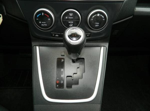 Mazda 5 V año 2015