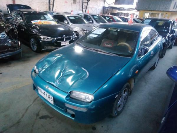 Mazda Artis GLX año 1997