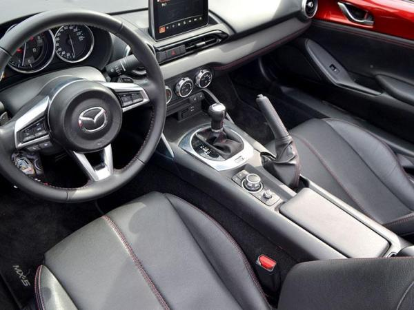 Mazda MX5 ALL NEW MX5 2.0 año 2017
