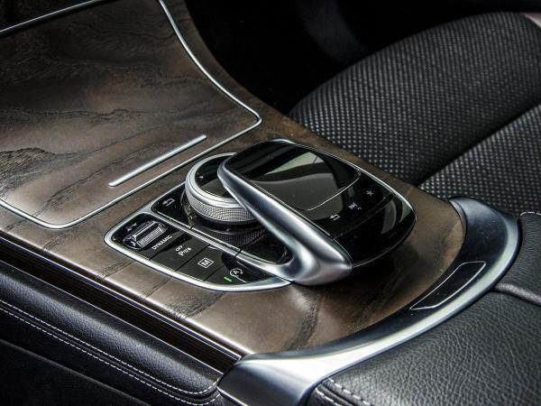 Mercedes-Benz 220 4MATIC año 2017