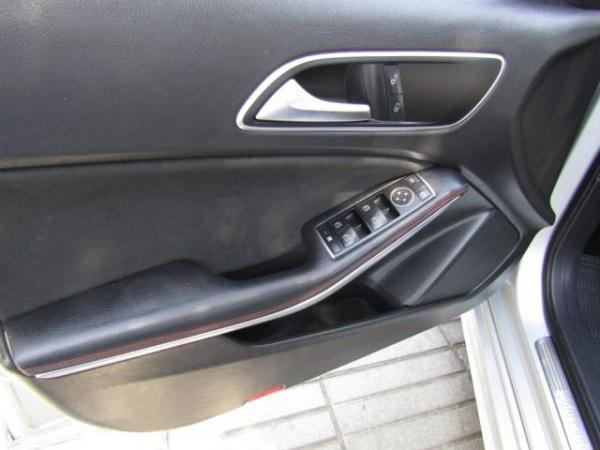 Mercedes-Benz A200 Blue Efficiency 1.8 Turbo año 2015