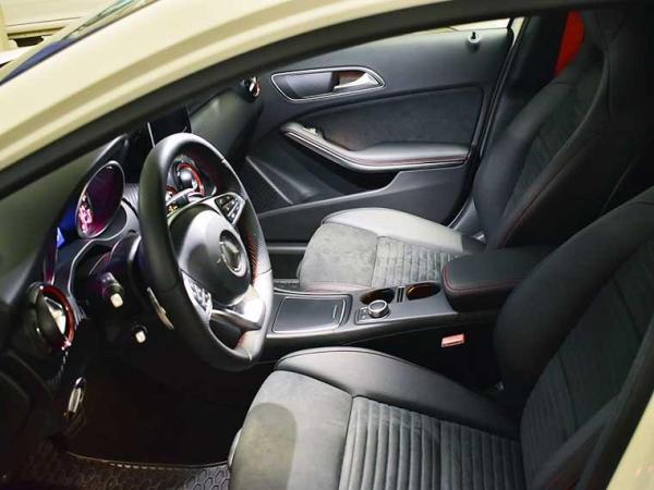 Mercedes-Benz A250 2.0 SPORT 4.800 año 2017