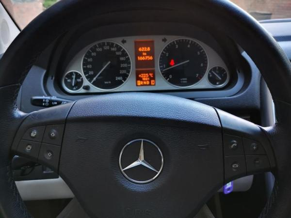Mercedes-Benz B B180 año 2011