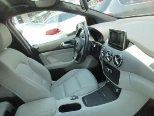 Mercedes-Benz B180 BLUEEFFICIENCY . año 2013