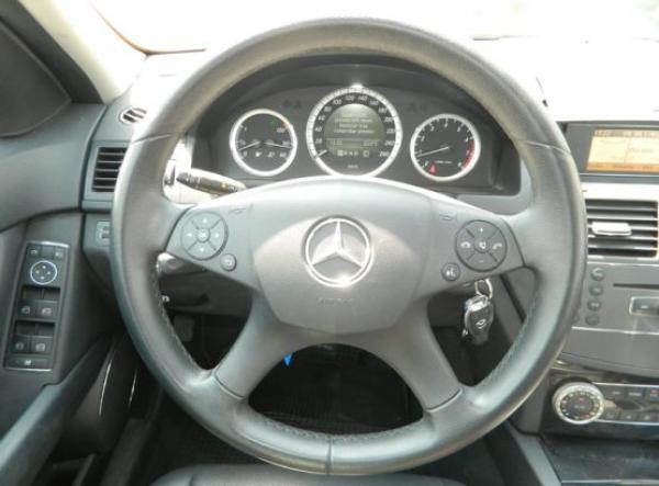 Mercedes-Benz C180 C 180 CGI año 2010
