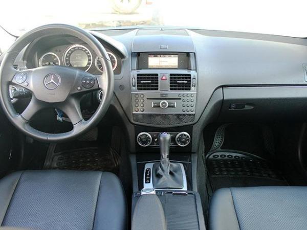 Mercedes-Benz C180 CGI BLUEEFFICIENCY 1.8 AT año 2011
