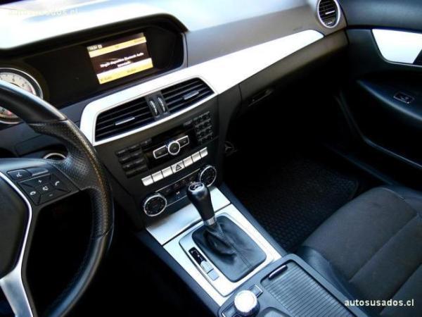 Mercedes-Benz C180 CGI Coupé 1.8 año 2012