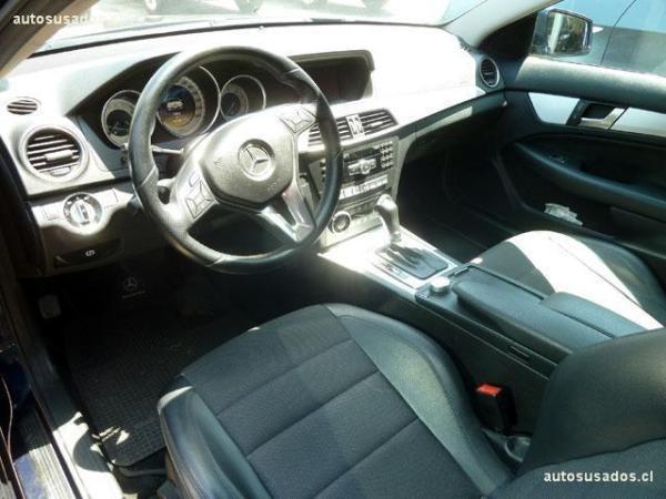 Mercedes-Benz C180 CGI COUPE año 2012