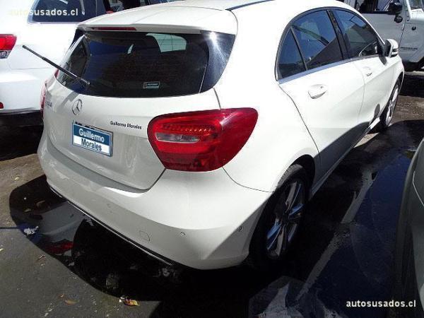 Mercedes-Benz C180 BLUE EFFICIENCY COUPE año 2013