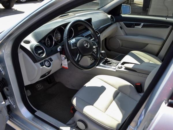 Mercedes-Benz C180 C180 CGI BLUE EFFICIENCY año 2014