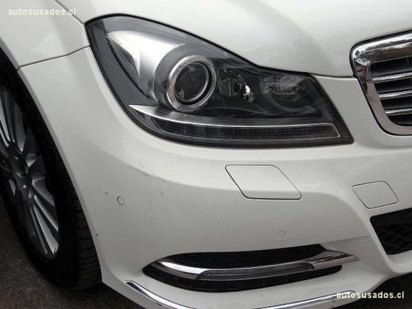 Mercedes-Benz C200  año 2012