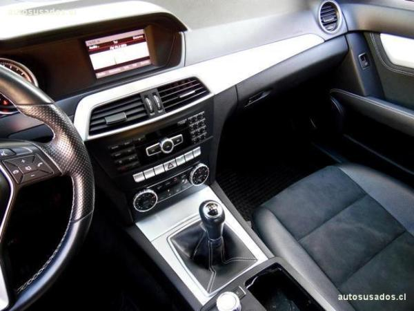 Mercedes-Benz C200 CGI Blue Efficiency 1.8 año 2015