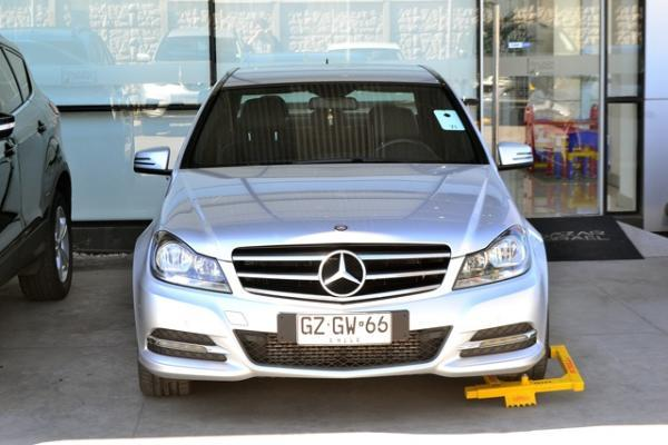 Mercedes-Benz C200 C200 CGI BLUE EFFICIENCY año 2015