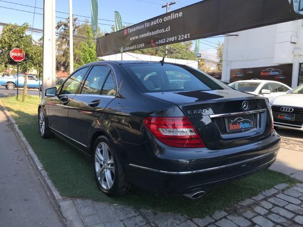 Mercedes-Benz C220  año 2011
