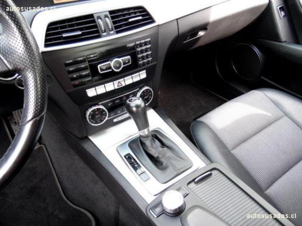 Mercedes-Benz C250 CGI Blue Efficiency 1.8 año 2012