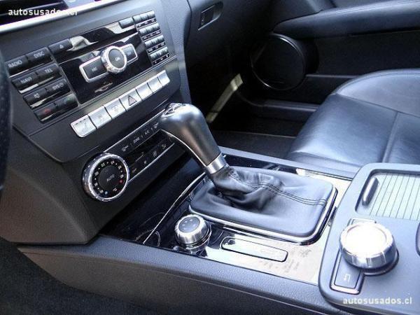 Mercedes-Benz C63 AMG año 2012