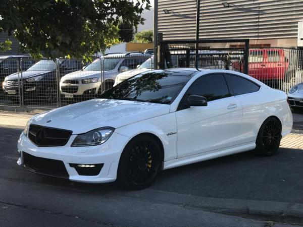 Mercedes-Benz C63 AMG Coupe año 2013