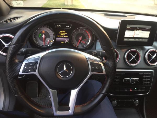 Mercedes-Benz CLA Alemana año 2013