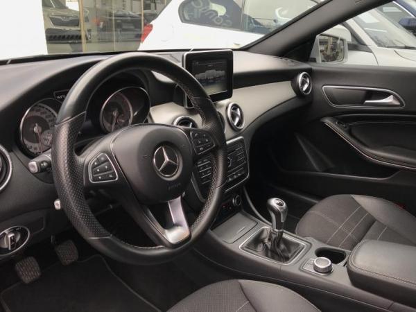 Mercedes-Benz CLA  año 2016