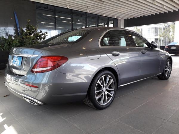Mercedes-Benz E200 FLL año 2017