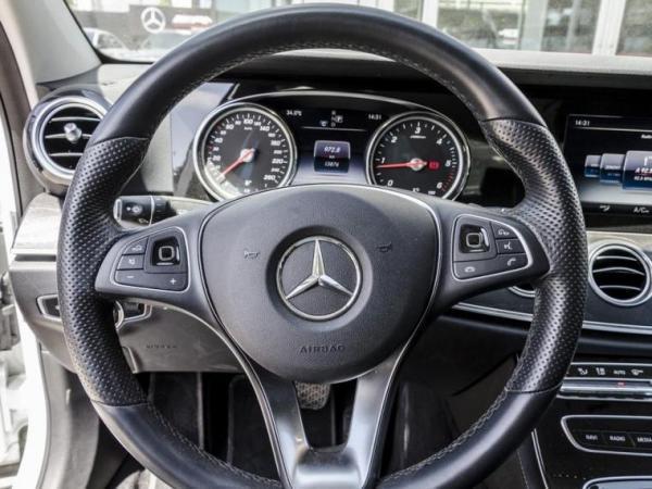 Mercedes-Benz E220  año 2018