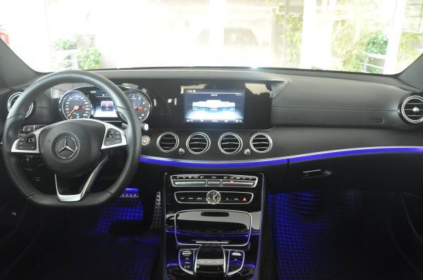 Mercedes-Benz E300 AT año 2017