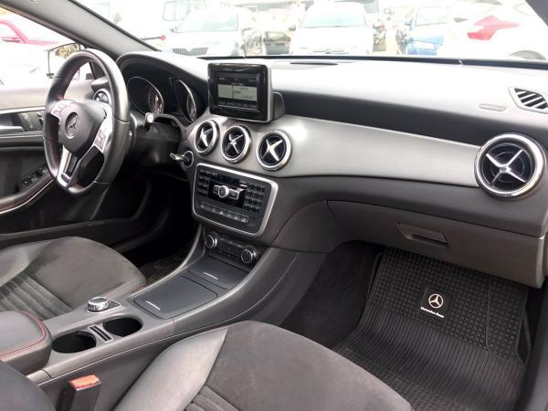 Mercedes-Benz GLA220 2.1 CDI año 2015