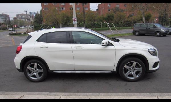 Mercedes-Benz GLA220 GLA 220 2.1 año 2016