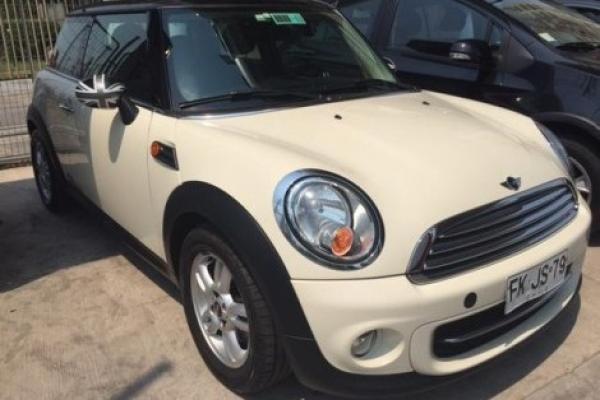 Mini Cooper 1.6 año 2013