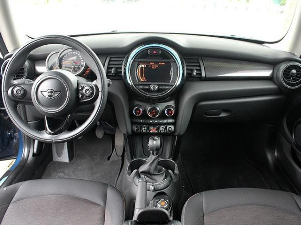 Mini Cooper F56 1.6 MT año 2017