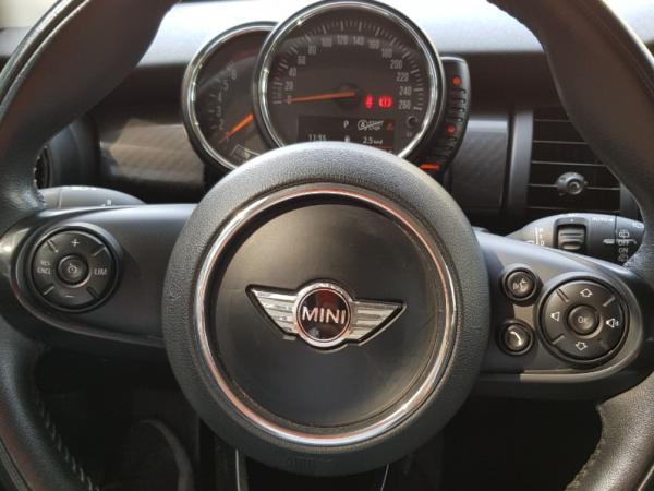 Mini F56 COOPER año 2016
