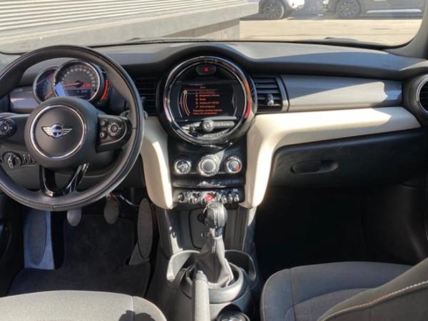 Mini F56 COOPER año 2018