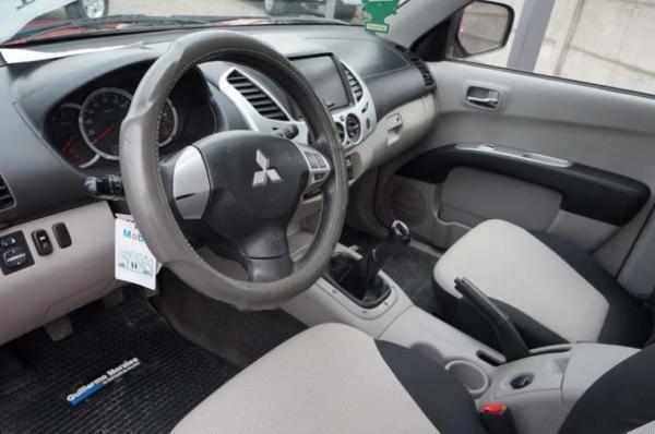 Mitsubishi L-200 D/C 4X2 TD KATANA CR año 2014
