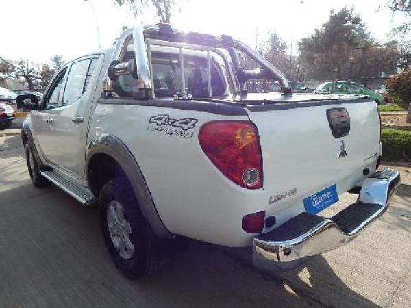 Mitsubishi L-200  año 2014