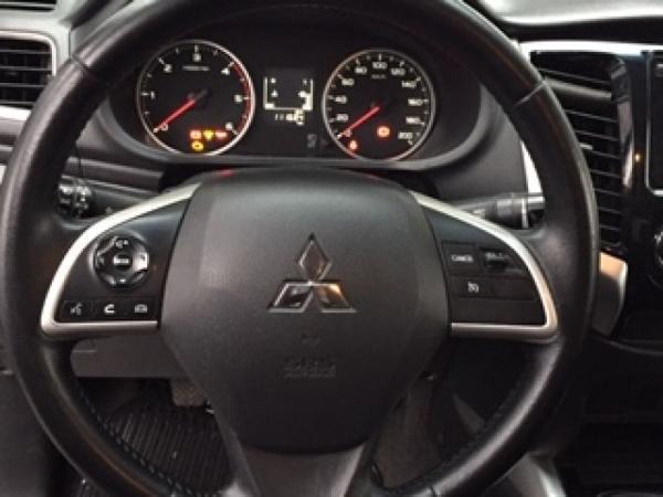 Mitsubishi L-200 L200 DAKAR 4WD 2.4 año 2016