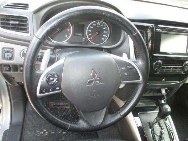 Mitsubishi L-200 L200 Dakar D Cab Crs 4x4 año 2016