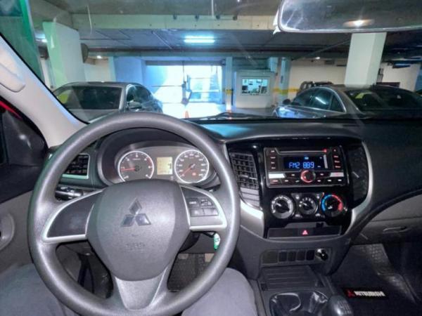 Mitsubishi L-200 2.4 KATANA CD CR año 2019