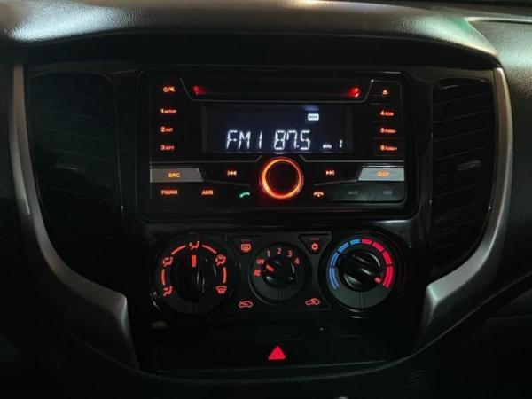 Mitsubishi L-200 CD CR KATANA 2.4 4X2 año 2019