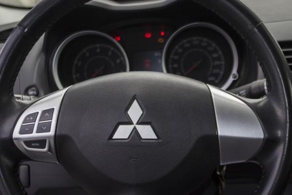 Mitsubishi Lancer LANCER MT R/T año 2011