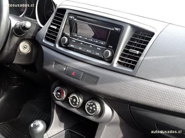 Mitsubishi Lancer  año 2014