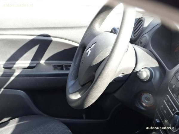 Mitsubishi Mirage GLX año 2014
