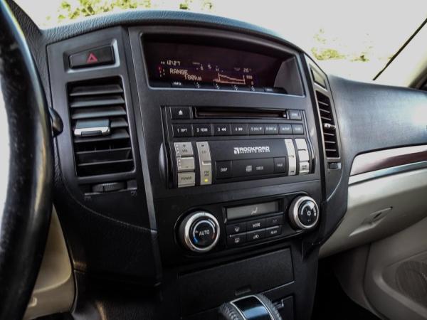 Mitsubishi Montero LARGO 3.8 año 2008