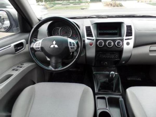 Mitsubishi Montero  año 2013