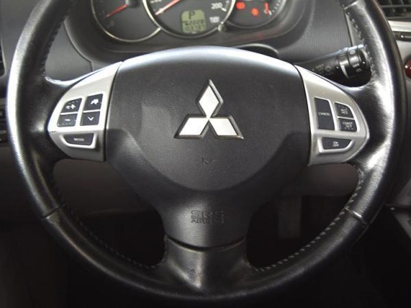 Mitsubishi Montero g2 año 2013