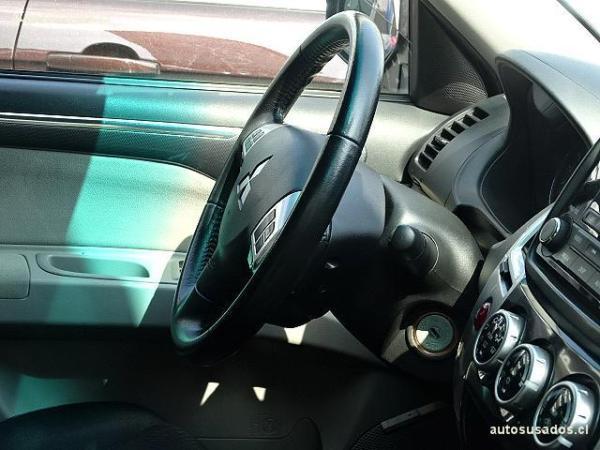 Mitsubishi Montero SPORT G2 año 2015